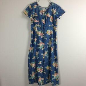 Dresses & Skirts - Vintage Floral Print 🌸 Jean Dress
